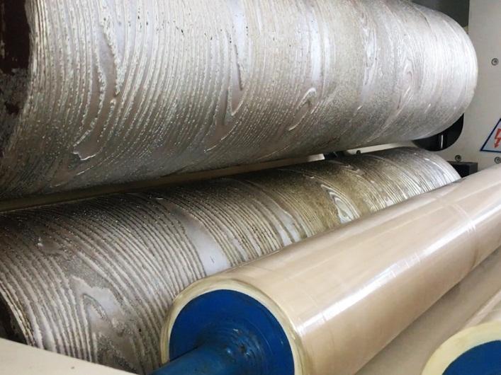 công nghệ gia nhiệt con lăn tạo vân gỗ và cào cước